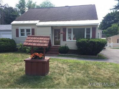 Deerfield Single Family Home For Sale: 142 Marnie Street