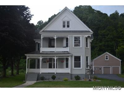 New Hartford Single Family Home For Sale: 3505 Oneida St