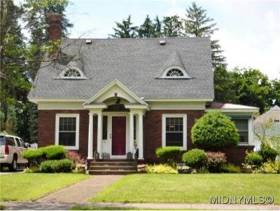Madison County Single Family Home For Sale: 570 Main Street