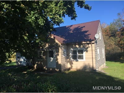 SAUQUOIT Single Family Home For Sale: 3240 Valley Place