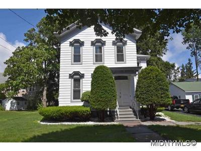 New Hartford Single Family Home For Sale: 2 Sanger Avenue