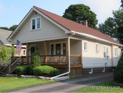 Utica Single Family Home For Sale: 222 Thieme Place