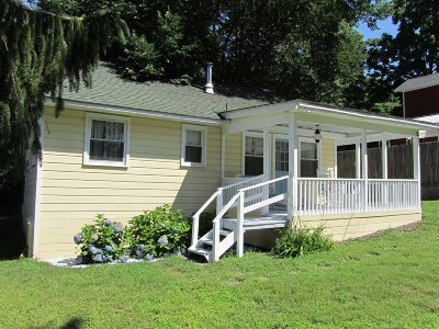 Single Family Home Sold: 15 Lake Rd