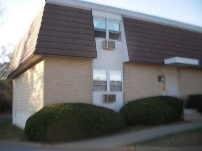 Wappinger Condo/Townhouse For Sale: 9 White Gate Rd #9D