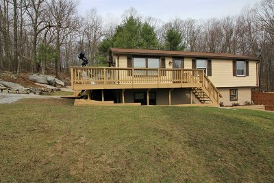 Pawling Single Family Home For Sale: 34 Mountain View Rd