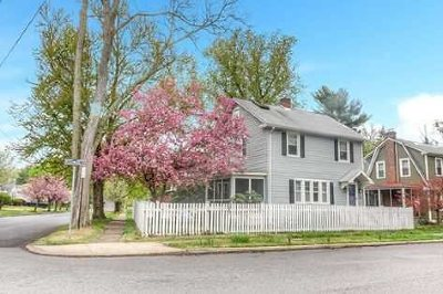 Poughkeepsie City Single Family Home For Sale: 15 Beechwood Terr