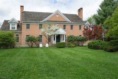La Grange Single Family Home For Sale: 6 Woods End Rd