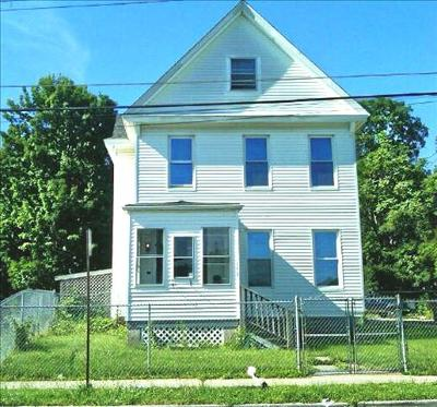 Poughkeepsie City Single Family Home For Sale: 158 Cannon Street