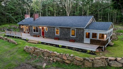 Pawling Single Family Home For Sale: 1125 Old Quaker Hill Rd
