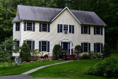 Pawling Single Family Home Continue Showing: 122 N White Rock Rd