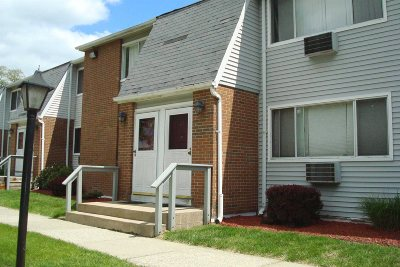 Poughkeepsie Twp Condo/Townhouse For Sale: 2740 South Road #A7