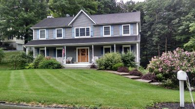 East Fishkill Single Family Home For Sale: 16 Winding Oak Way