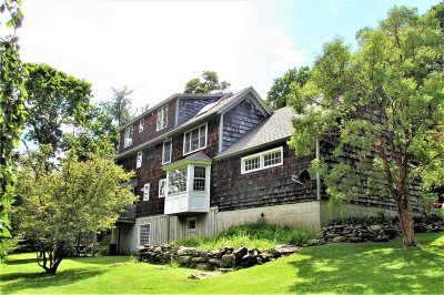 Pawling Single Family Home For Sale: 744 Old Quaker Hill