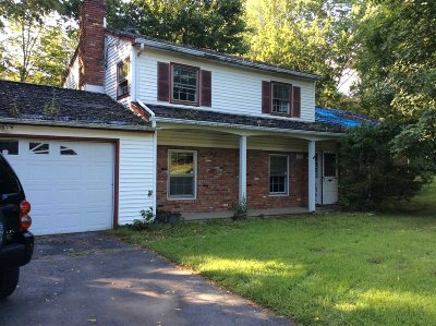 Wappinger Single Family Home For Sale: 164 Hillside Lake Rd