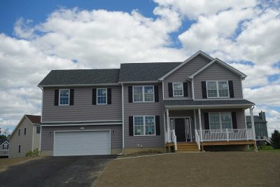 Poughkeepsie Twp Single Family Home For Sale: 9 Stratford Dr