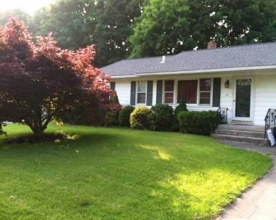 Fishkill Single Family Home Continue Showing: 10 Putnam Rd