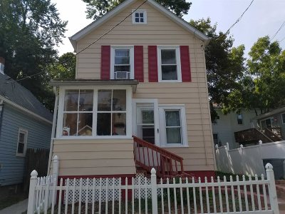 Poughkeepsie City Single Family Home For Sale: 2 Glenwood Ave