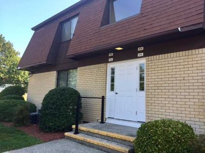 Poughkeepsie Twp Condo/Townhouse Continue Showing: 616 Cherry Hill Dr