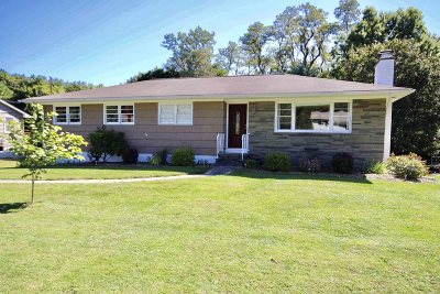 La Grange Single Family Home For Sale: 35 Lakeview Rd