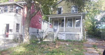 Poughkeepsie City Single Family Home For Sale: 91 Delafield St