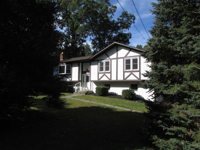 Fishkill Single Family Home For Sale: 364 Sunset Hill Rd