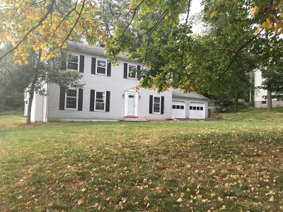 Poughkeepsie Twp Single Family Home For Sale: 33 Merrywood Rd