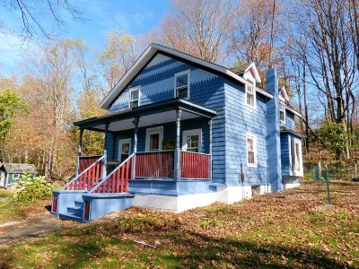 Single Family Home For Sale: 52 N Center St