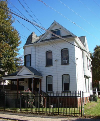 Poughkeepsie City Single Family Home For Sale: 69 Catharine St