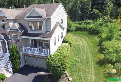 Fishkill Condo/Townhouse For Sale: 75 N River Dr