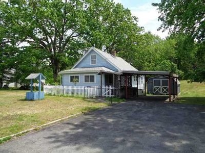 Poughkeepsie Twp Single Family Home For Sale: 574 Van Wagner Rd