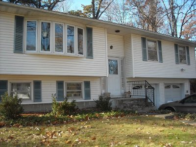 Wappinger Single Family Home Continue Showing: 13 Russ Place