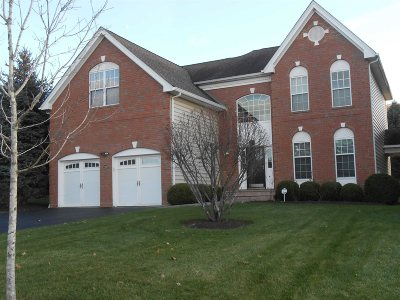 Fishkill Condo/Townhouse For Sale: 226 Roosevelt Dr