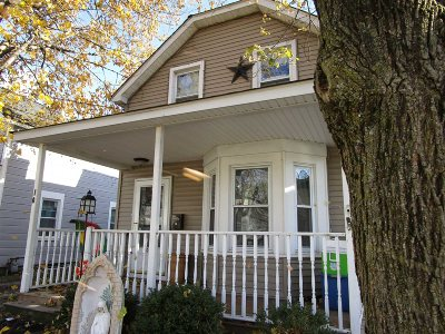 Beacon Single Family Home For Sale: 10 S Walnut St