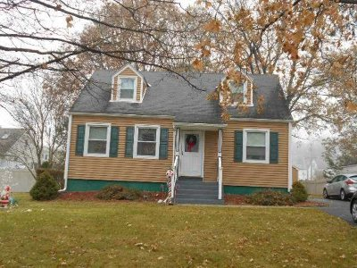 Poughkeepsie Twp Single Family Home For Sale: 14 Kinderhook Dr