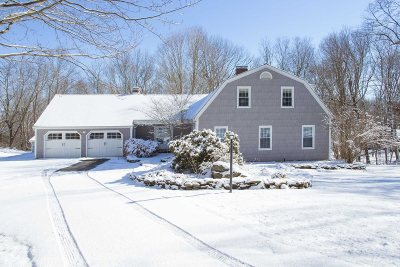 La Grange NY Single Family Home Sale Pending: $417,500