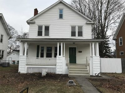 Poughkeepsie City Single Family Home For Sale: 172 S Grand Ave