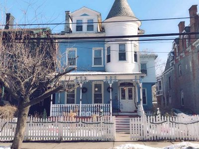 Poughkeepsie City Single Family Home For Sale: 29 S Clinton St