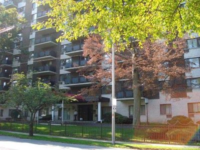 Poughkeepsie City Condo/Townhouse For Sale: 160 Academy St #2F