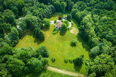 Pawling Single Family Home For Sale: 28 Strawberry Hill Rd