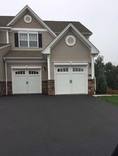 Fishkill Condo/Townhouse For Sale: 26 Evan Ct