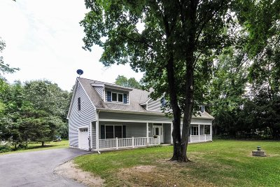 East Fishkill Single Family Home For Sale: 133 Martin Rd