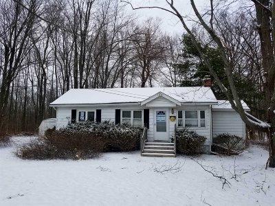 La Grange Single Family Home For Sale: 385 Overlook Rd