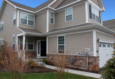 Fishkill Condo/Townhouse For Sale: 11 Evan Court
