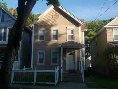 Poughkeepsie City Single Family Home For Sale: 65 Taylor Ave