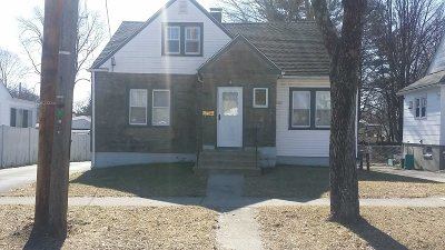 Poughkeepsie City Single Family Home For Sale: 80 Glenwood Ave