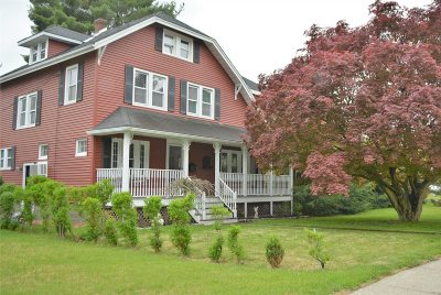 Poughkeepsie City Single Family Home For Sale: 303 Hooker Ave