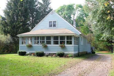 Hyde Park Single Family Home Continue Showing: 23 Cardinal Rd