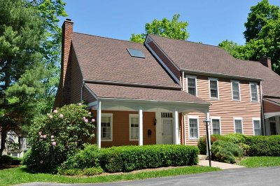 Dutchess County Condo/Townhouse Extended: 32 Upper Lane