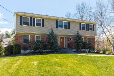 Poughkeepsie Twp Single Family Home Continue Showing: 9 Miron Dr