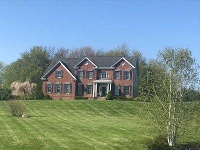 Gardiner Single Family Home For Sale: 32 Sanford Dr